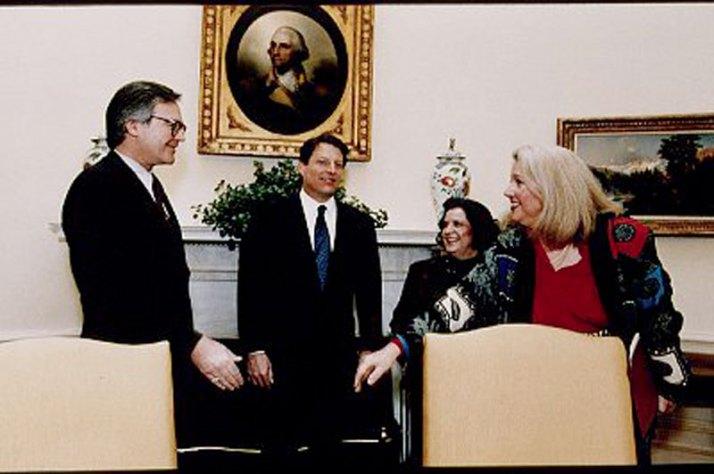 Hillary-clinton-vince-foster-affair-14